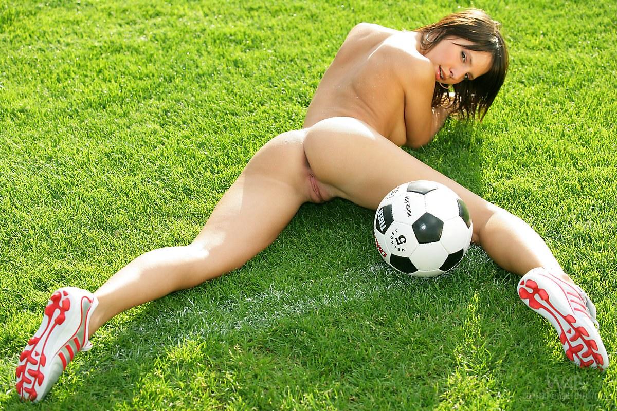 Nude sports pics
