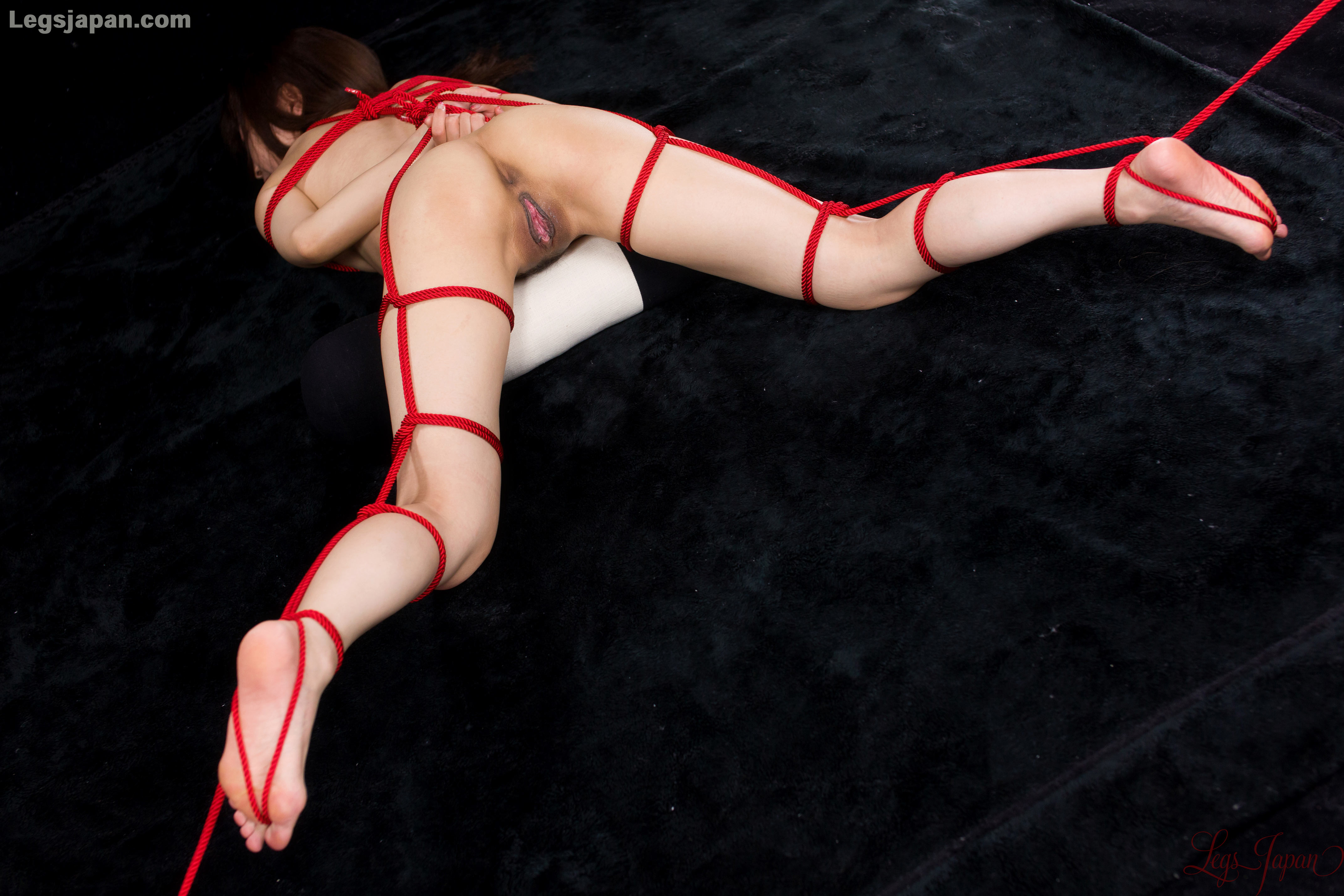 Asian, Ass, Bondage, Brunette, Floor, Solo picture featuring Shizuka Maeshiro