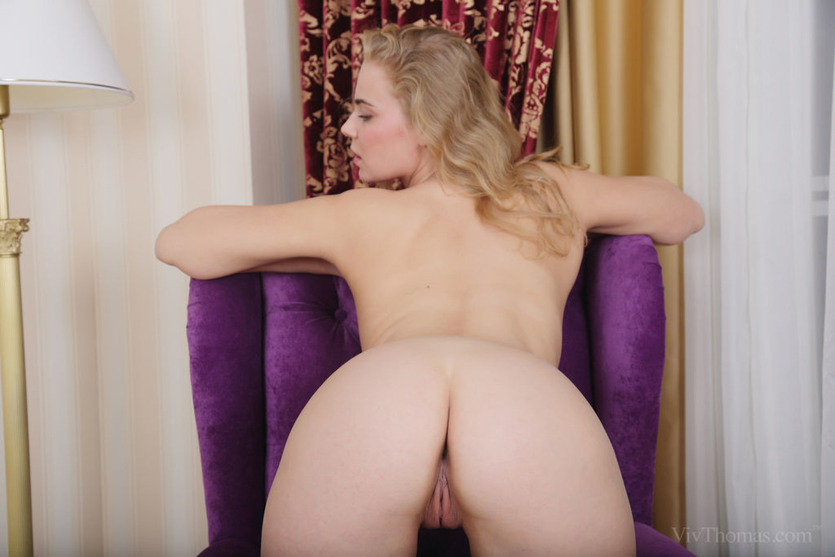 Ass, Blonde, Chair, Ivory, Solo picture featuring Mandy