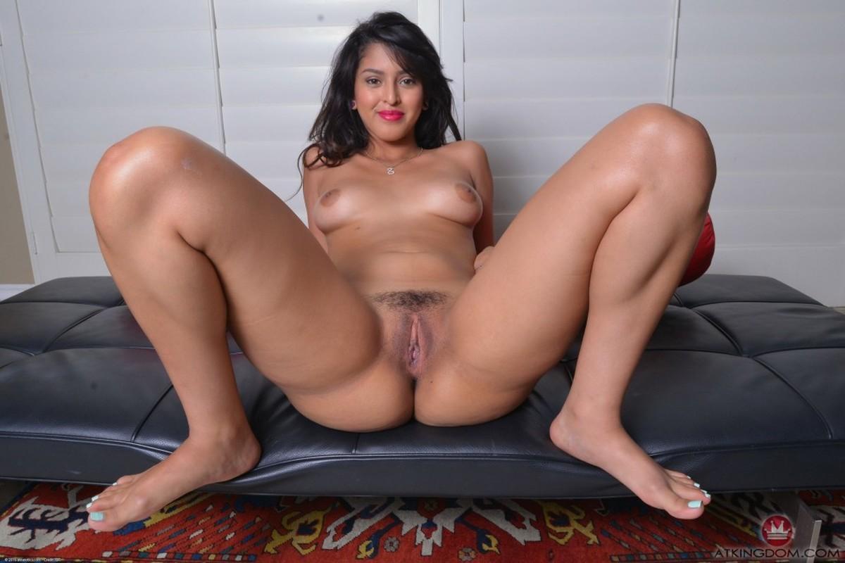 Solo latina pussy pics